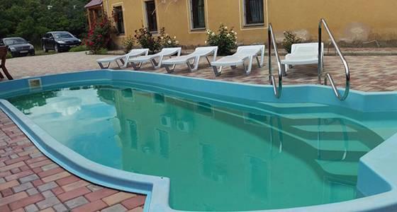 Кирилівка готель Акелла басейн
