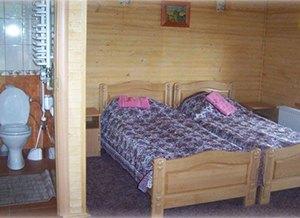 Відпочинок в Ясениці-Замковій, база відпочинку «Бойківський двір»