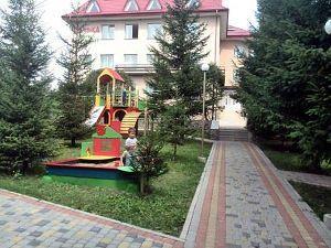 Лижний відпочинок в Карпатах взимку, база відпочинку «Кам'янка»