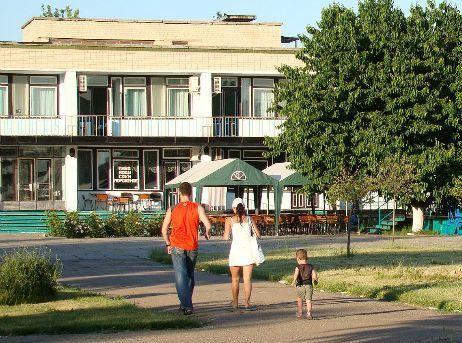 База отдыха «Красная гвоздика», г. Приморск, пос. Набережное, столовая