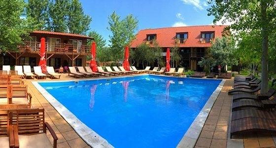 База відпочинку на Кінбурнській косі з басейном