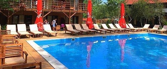 Бази відпочинку на Кінбурнській косі з басейном