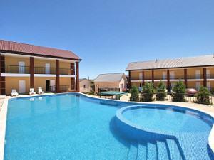 Бази відпочинку в Кирилівці з басейном