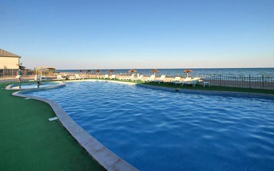 Кирилівка база відпочинку з басейнами