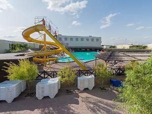 Бази відпочинку Кирилівка з басейном