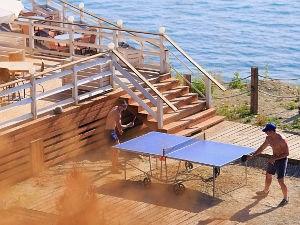 Відпочинок в кемпінгу на Чорному морі Росія
