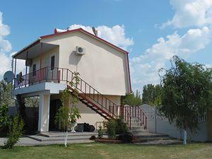 Гостинний дім «Ірина», Генгірка, корпус, територія