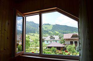 Карпати будиночки в горах