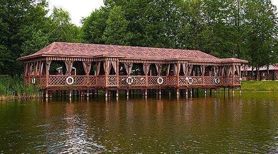 Заміські ресторани на воді