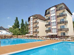 Готелі з басейном в Залізному Порту