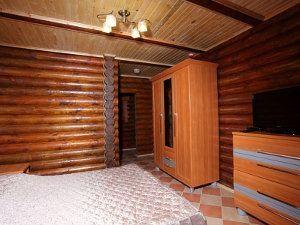 Готель з басейном в Карпатах