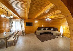 Відпочинок на Західній Україні, маєток «Сокільське»