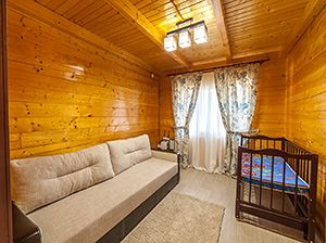Готелі України
