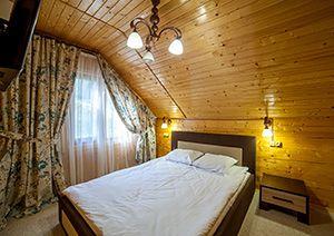 Готелі України з басейном