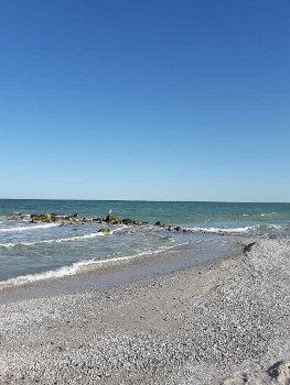 Кирилівка готелі на березі