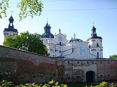 Пам'ятки Бердичева, монастир Босих Кармелітів, вхід