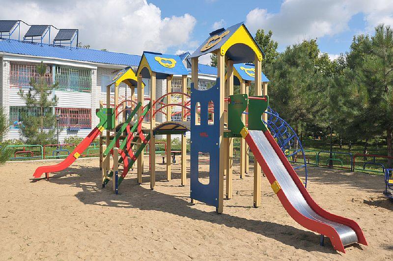 ОК «Прибій», Приморськ, дитячий майданчик