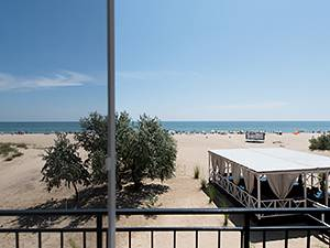 Пляжний готель Аліон Затока