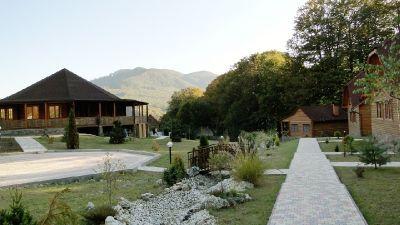 Відпочинок у Карпатах з дітьми, готель «Ерней-Лаз», Шаян