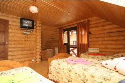 Відпочинок у Карпатах Пилипець, готель «Газдівська хижа»
