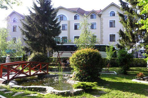 Готелі Закарпаття - готель «Гелікон», Яноші