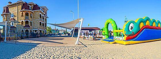 Пляжні готелі з басейном