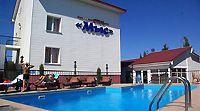 Готель у Севастополі з басейном