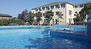 Коблеве готель з басейном