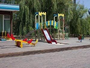 Пападеморе дитячий майданчик