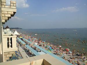 Готелі на березі моря