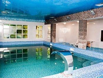 Солотвино готелі з басейном