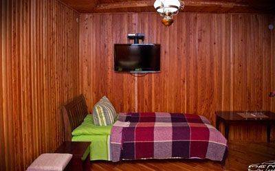 Недорогий відпочинок в Карпатах круглий рік, готель «У Довбуша»