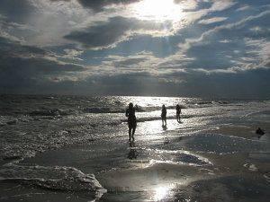 Відпочинок в наметі на Чорному морі