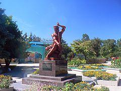 Пам'ятник Ашику Омеру в Євпаторії