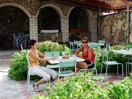 Пансіонат «Наталі», Чорноморське, кафе