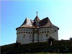 Покровская церковь-крепость в Сутковцах