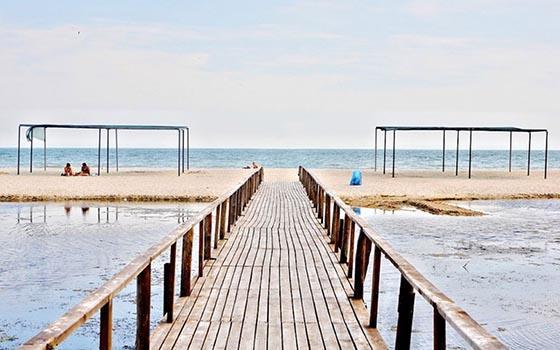 Приморськ місток на пляж