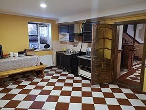 Будинок на 19 осіб Карпати кухня