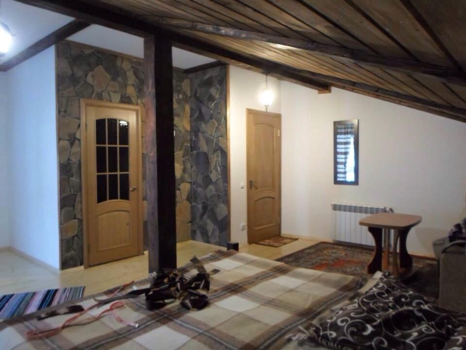 Будинок у Поляні подобово