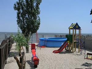 Вілла «Грот», Азовське море, Білосарайська коса