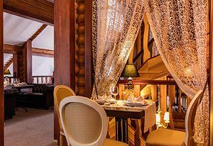 Готель під Києвом