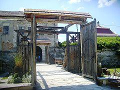 Золочівський замок, ворота